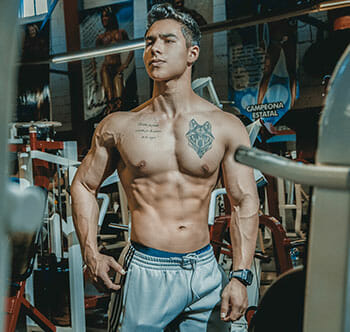 P90X vs Insanity: Which Workout Program Is Better? (2019 Upd )