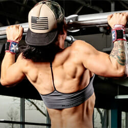 woman doing negative pull up