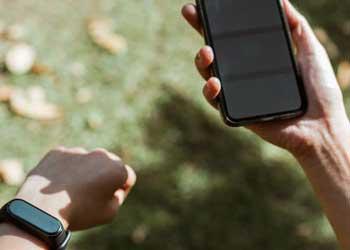 watch smartphone connectivity