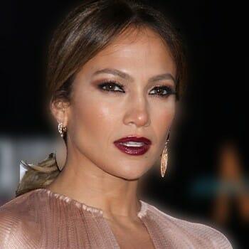 Jennifer Lopez close up image