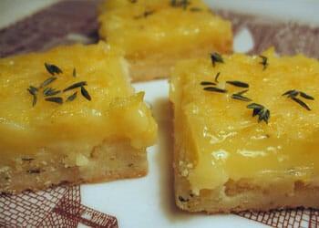slices of lemon thyme bars