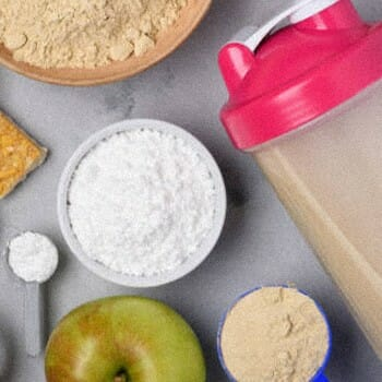 Creatine powder and fruits