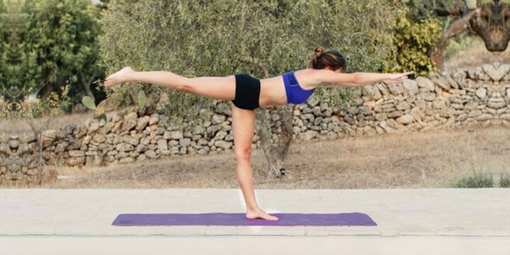 your guide to doing yoga post or pre workout