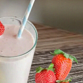 A smoothie with strawberries
